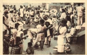 CPA Dahomey Afrique - A la Gare de Cotonou (86847)