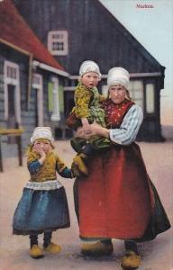 Netherlands Marken Locals In Traditional Costume