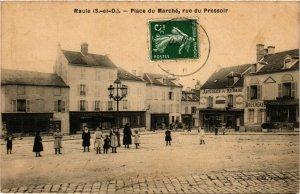 CPA MAULE - Place du Marché rue du Pressoir (246631)