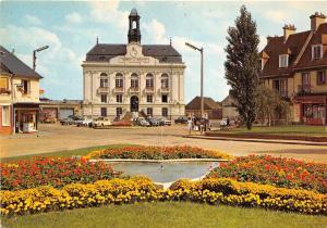 BR2681 Yvetot L Hotel de ville et les parterres du mail   france