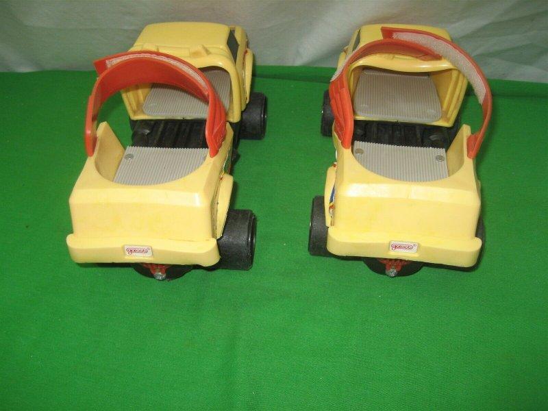 1987 Vintage Lewis Galoob Toys Yellow Truck Skates Mobiles