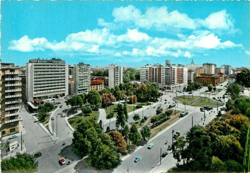 Italy Milan Republic Square semi modern postcard
