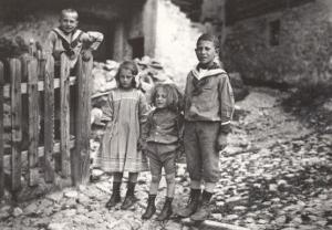 Swiss 1900s Children in Poverty Switzerland Award Winning Photo Postcard