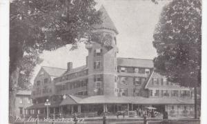 WOODSTOCK, Vermont, 1900-1910's; The Inn, Horse Carriages