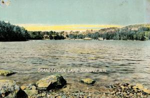 NH - Lake Sunapee. Grand Leyden