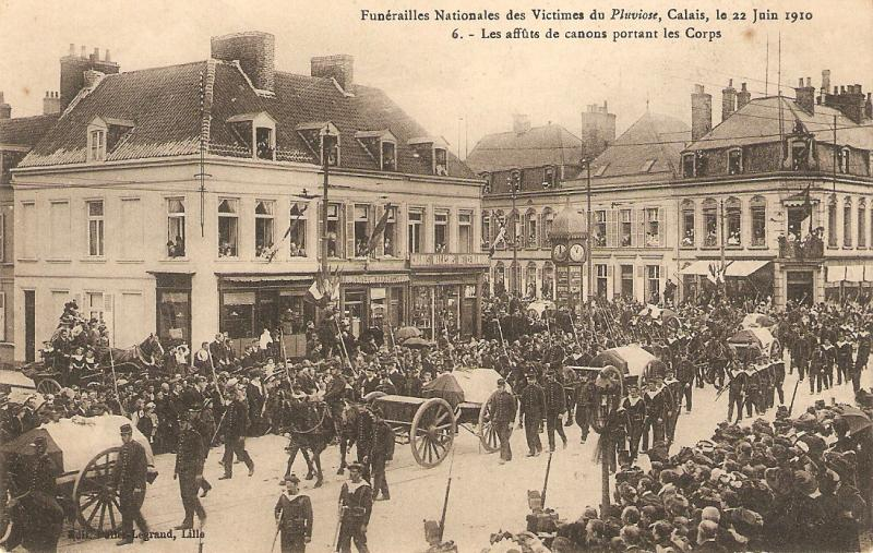 Horses. Military. Funerailles Nationales des Victimes Antique French postcard