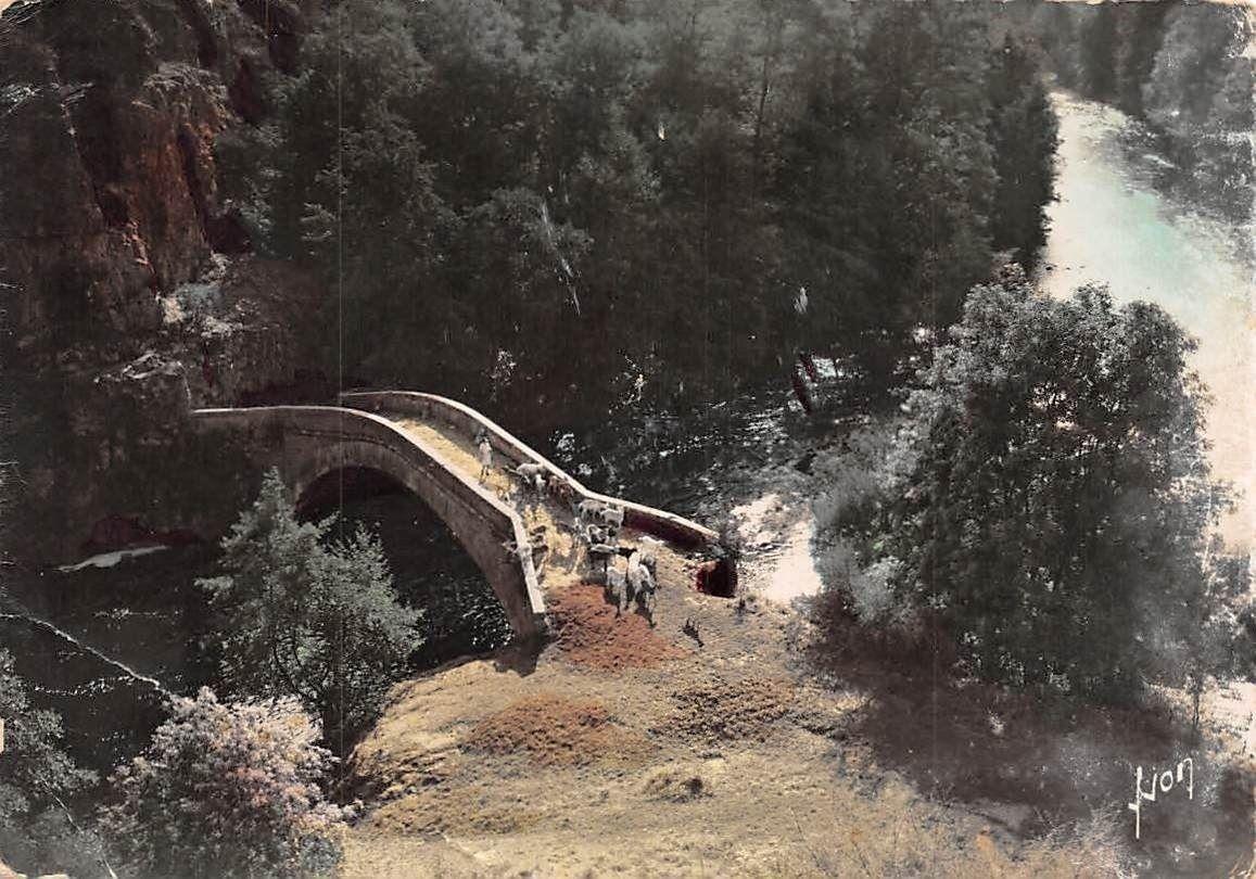 Pierre De L Yonne france environs de vezelay (yonne) vieux pont sur la cure a