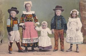 Une Jeune Famille bretonne , France , 00-10s