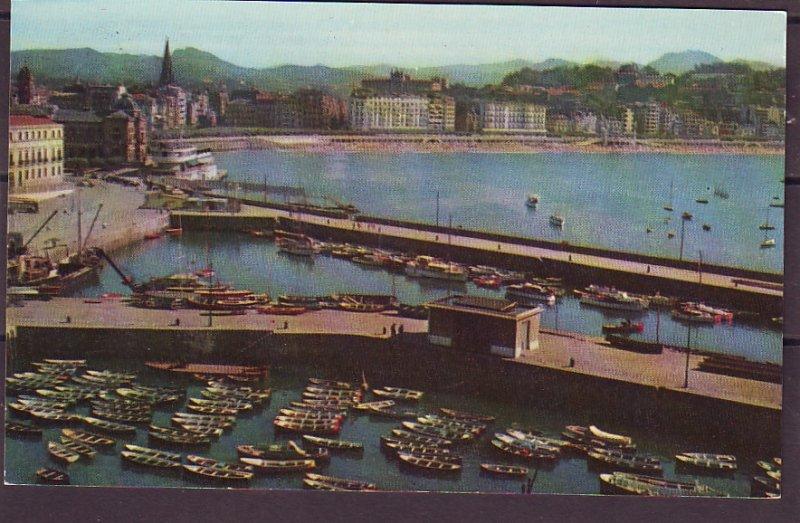 P1462 vintage unused fotocard spain san sebastian harbour and bay many boats