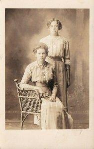 Vintage Véritable Photo Carte Postale Azo Cppr Ethel & Marie Nelson Portrait
