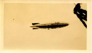 Canada- Que, Montreal. 08/08/1930. HM Airship R100 Real Photo(Not a Postcard