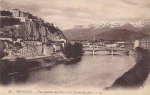 GRENOBLE , France , 00-10s ; Vue generale des forts et la Chaine des Alps