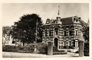 CPA Smilde Gemeentehuis met Monument NETHERLANDS (728991)