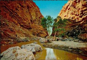 JD0008 australia alice springs simpson s gap river limestone kruger publishing