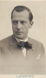 Photo postcard actors 1930s LEONARD