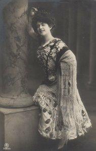 RP: Woman in Nice Dress , 00-10s