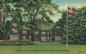 USA Aquinas College Administration Building Grand Rapids Michigan 03.82