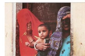 Postal 047600 : La vida de les dones i els infants al Vietnam lIndia i el Nep...