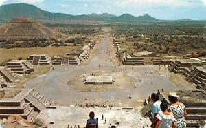 Mexico Old Vintage Antique Post Card La Plaza e la Luna y la Calzada de los M...