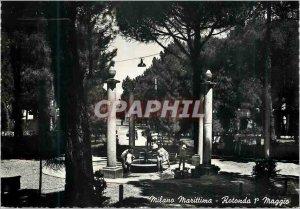 Modern Postcard Milano Marittima Rotonda I Maggio La Rotonde I May