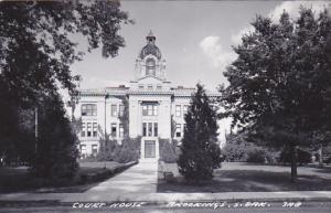 RP: Court House , BROOKINGS , South Dakota , 30-40s