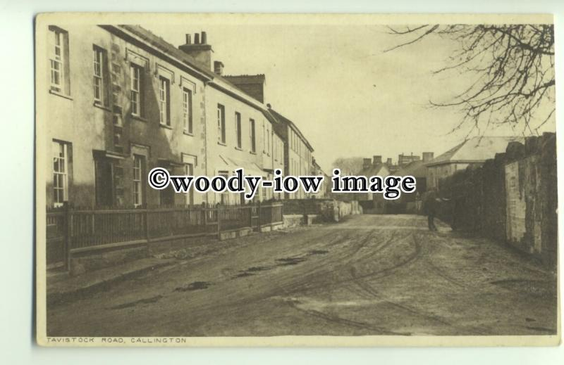 tp9704 - Cornwall - Homes & Unmade Road in Tavistock Road, Callington - postcard