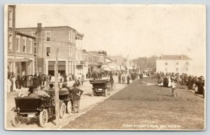 Bellevue IA~Front Street~Hansen's Cash for Eggs~Crowd~Vintage LP# Cars~1915 RPPC