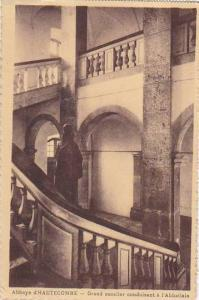 France Abbaye d'Hautecombe Grand escalier conduisant a l'Abbatiale