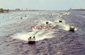 SPEEDBOAT RACING AT THE PALM BEACHES IN FLORIDA