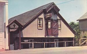 ROSLYN , L.I. , New York , 50-60s ; Tea House