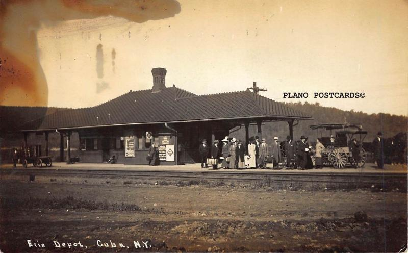 CUBA, NEW YORK ERIE DEPOT W/PASSENGERS WAITING RPPC REAL PHOTO POSTCARD