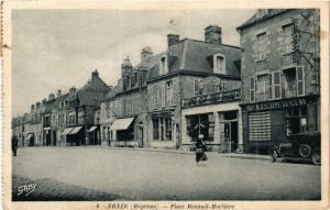 CPA Ernee .- Place renault morliere  (191039)
