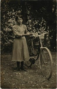 CPA Bourganeuf Femme FRANCE (1050158)