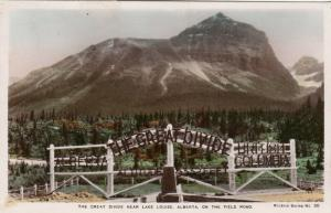 RP: LAKE LOUISE , Alberta , Canada , 20-40s ; The Great Divide on the Field Road
