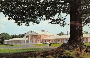 Cambridge Springs PA~Alliance College~Girls Dormitory~Co-Ed in Pedal Pushers~'62