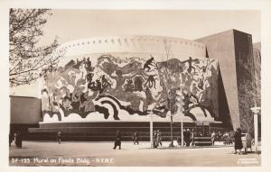 RP: New York World´s Fair 1930s ; Mural to Foods Bldg