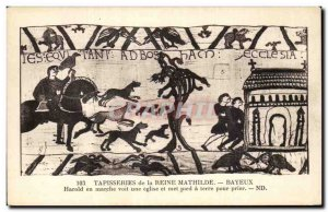 Postcard Old Bayeux Tapestry of Queen Mathilde Harold sees a running foot chu...