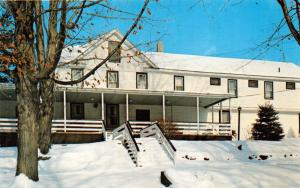 HENRYVILLE PENNSYLVANIA GREENWAY LODGE~COMPLETE WINTER RESORT POSTCARD 1960s