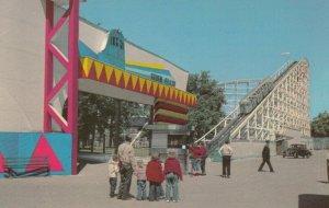 CHICAGO, Illinois, 40-60s; Riverview, Silver Flash