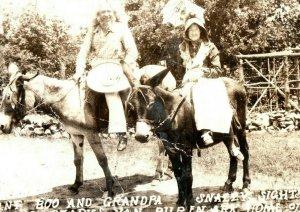 Vintage RPPC Aunt Boo & Grandpa The Ozarks Van Buren, AR Postcard P169