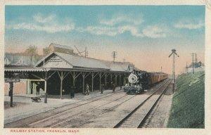 FRANKLIN , Massachusetts, 00-10s ; Train at Railroad Station