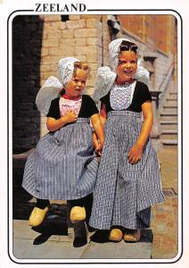 Netherlands Zeeland Zeeuwse Klederdracht, young girls, fillette costumes