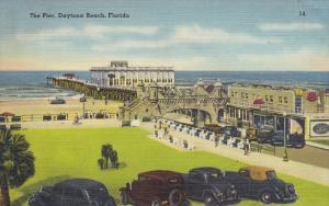 DAYTONA BEACH , Florida , 30-40s ; The Pier