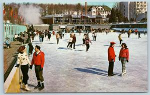 Postcard NY Kiamesha Lake Concord Hotel Outdoor Ice Skating Rink c1950s Q3