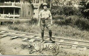 malay malaysia, JOHOR JOHORE, Sultan Ibrahim Hunting Trophy Tiger (1920s) RPPC