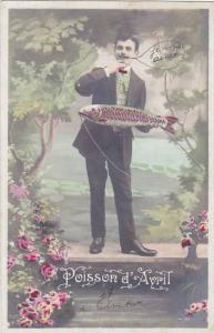 1er Avril April Fool's Day Man Holding Fish 1908