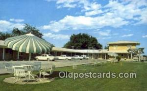 Travelier Motel, Macon, MO, USA Motel Hotel Postcard Post Card Old Vintage An...