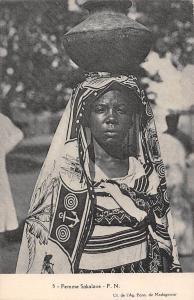 Africa Madagascar Femme Sakalave F.N.