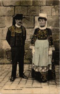 CPA Costumes de Bannalec FRANCE FOLKLORE (788350)