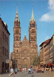 Nuernberg St Lorenzkirche Karolinenstr. Fussgaengerzone Church